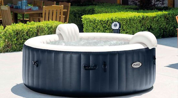 How Can You Modify Your Deck To Hold a Hot Tub?